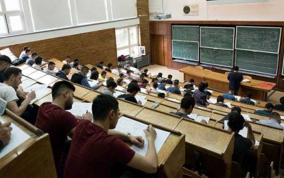 Bucureşti. Peste 5.000 de elevi participă la simularea examenului de admitere la Universitatea Politehnică