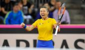 FedCup, semifinale: Franța vs România 1-1 / Simona Halep și Caroline Garcia și-au respectat statutul de favorite