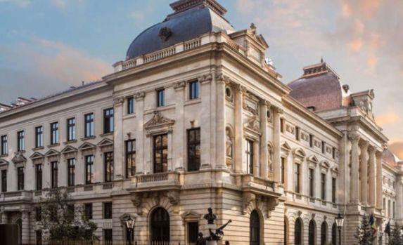 """""""Ziua porţilor deschise"""" la Banca Naţională a României. Oricine poate vedea tezaurul şi aurul de la BNR"""