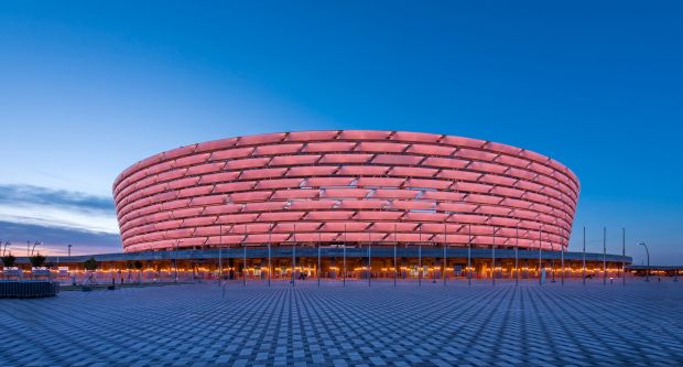 Finala Europa League. Fanii lui Chelsea şi Arsenal solicită schimbarea stadionului
