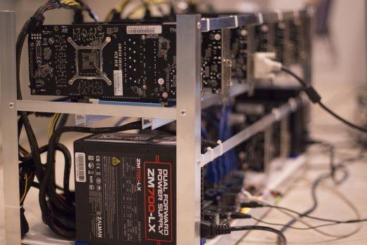 Noile tactici utilizate de hackerii care folosesc calculatoarele altora pentru mineritul de criptomonede