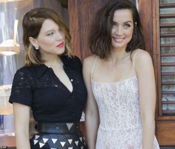Lea_Seydoux_left_and_Ana_de_Armas