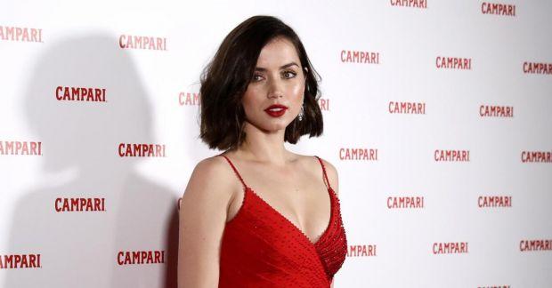 Cine este Ana de Armas, noua Bond girl. Galerie foto cu superba actriță care se va iubi cu agentul 007