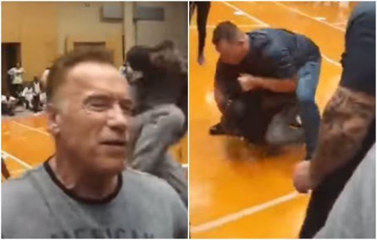 Arnold Schwarzenegger lovit pe la spate în Africa de Sud! Un om normal ar fi căzut secerat. Video
