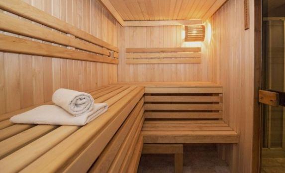 Constanța. Un bărbat a fost găsit mort într-o saună