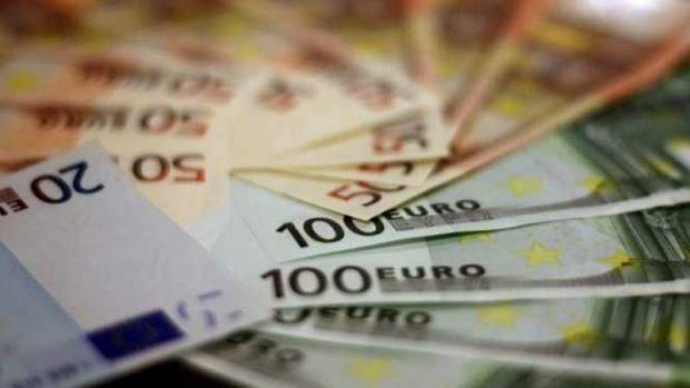 Curs valutar. Euro și dolarul s-au apreciat