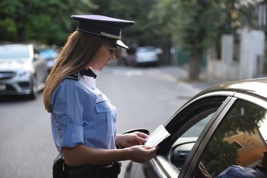 Veste bună pentru șoferi! Deputații interzic radarele din mașini neinscripționate și ascunse ale Poliției