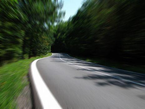 E adevărat că drumul de pe Valea Oltului nu a fost construit de români?