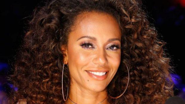 Mel B, membră a trupei Spice Girls, internată de urgență după ce și-a pierdut complet vederea