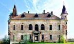 Un castel din Maramureș a fost scos la vânzare. Care este prețul de pornire