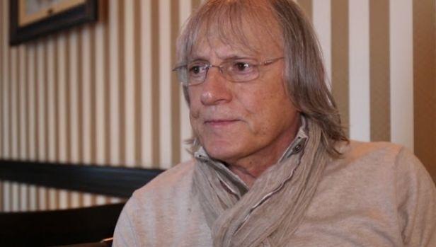 Mihai Constantinescu a fost deconectat de la aparate