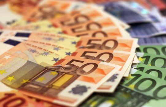 Curs valutar 5 iunie 2019. Euro și lira sterlină s-au depreciat și au atins nivelul din ianuarie