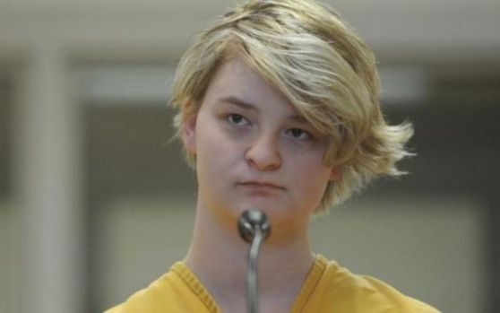 O adolescentă și-a ucis cea mai bună prietenă pentru 9 milioane de dolari