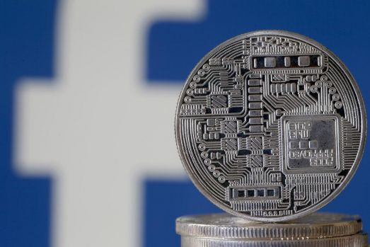 Franța va bloca dezvoltarea monedei virtuale Libra a Facebook în Europa