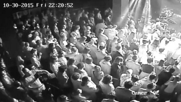 Imagini terifiante din Clubul Colectiv! Noi înregistrări cu incendiul și momentele în care oamenii iau foc! Video