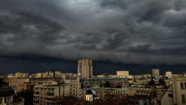Cod portocaliu de furtuni și grindină pentru cea mai mare parte a țării