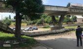 Buzău. O parte din podul Maghiloman s-a prăbușit peste șosea, la ieșirea spre Brăila! Video