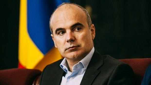 Rareș Bogdan îl avertizează pe Dacian Cioloș: Stai liniștit altfel vei fi spulberat!