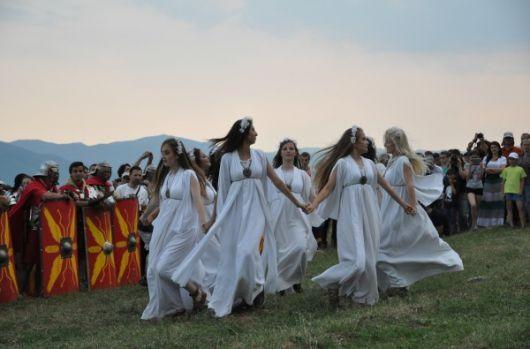 Sânzienele sau Drăgaica, tradiții și obiceiuri. Ce se întâmplă în noaptea de 23 spre 24 iunie