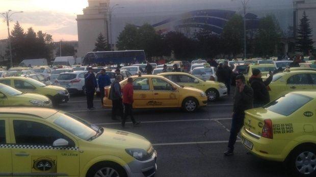 Protest COTAR. Transportarii au ieșit din nou în stradă contra Uber, Bolt și Clever