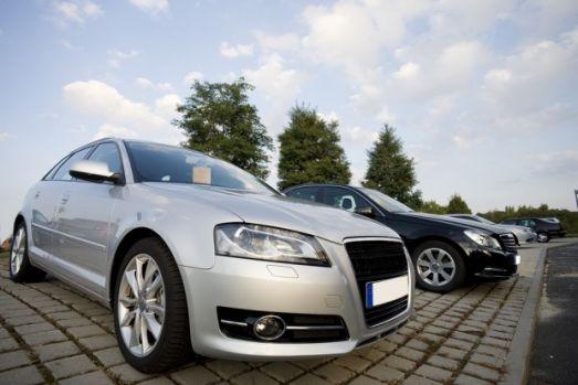 Ce fac românii când cumpără o maşină second-hand? La ce se uită prima oară