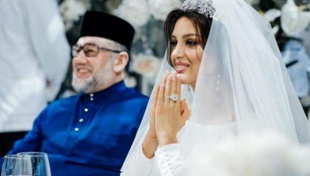 Motivul pentru care fostul rege al Malaeziei a divorţat de femeia pentru care a renunţat la tron. Ce a aflat despre soţia sa, fostă Miss Moscova