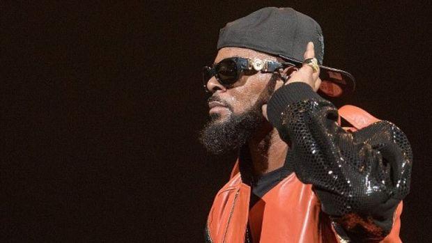 Anunț șoc din SUA! Un celebru rapper riscă 30 de ani de pușcărie! El a fost arestat ieri