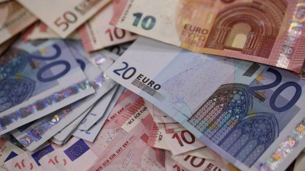 Curs valutar 1 august 2019. Dolarul se apreciază simțitor, iar euro face un mic pas înapoi