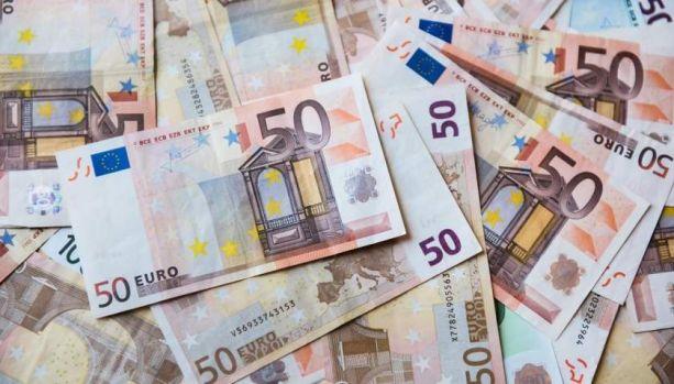 Curs valutar 2 august 2019. Euro se apreciază, prețul aurului a explodat
