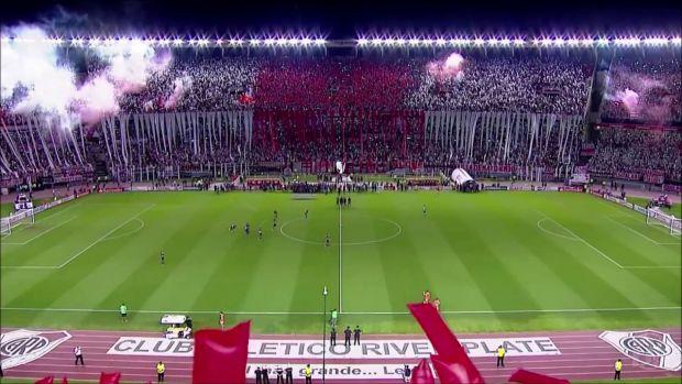 Cele mai gălăgioase și spectaculoase galerii de fotbal din lume! Video