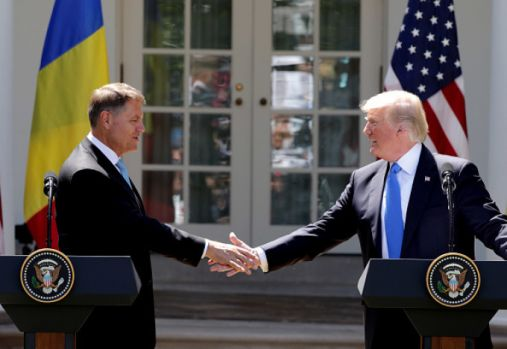 Klaus Iohannis a discutat, la Casa Albă, cu Donald Trump. Mizele vizitei președintelui în SUA și anunțul oficial al Casei Albe