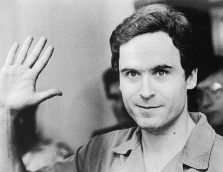 Ted Bundy, cel mai odios dar și rafinat criminal în serie din toate timpurile! A salvat vieți înainte să devină ucigaș