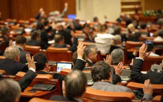 Cum vrea Guvernul Orban să decapiteze conducerea ASF cu ajutorul Parlamentului