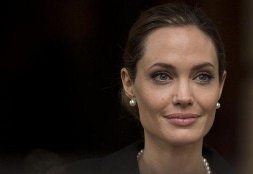 Angelina Jolie va avea o emisiune pentru copii la BBC