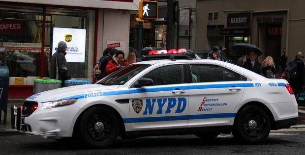 Un elev din New York a fost înjunghiat mortal, în timp ce alți adolescenți filmau incidentul! Video