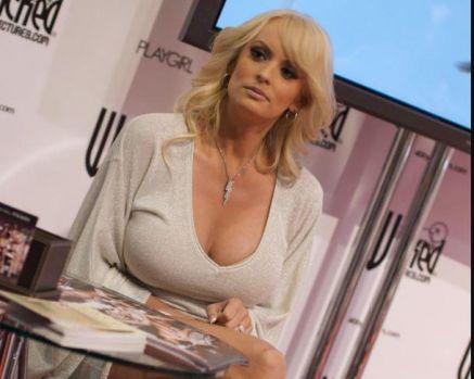 Actrița porno Stormy Daniels, dama de companie a lui Trump, a obținut o sumă uriașă în urma unei arestări