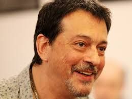 Regizorul Alexandru Darie, internat în stare gravă la Spitalul Fundeni