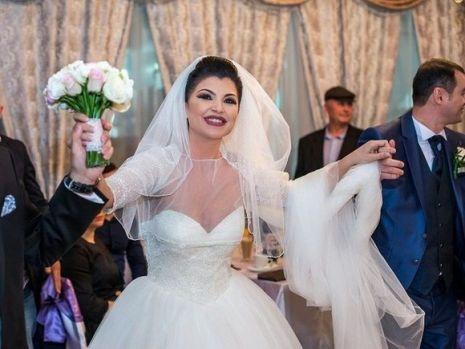 """O cântăreaţă îndrăgită din România divorţează: """"M-a înşelat cu o copilă de 20 de ani!"""""""