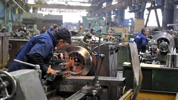 România, cel mai semnificativ declin din UE al producţiei industriale, în luna iulie – Eurostat