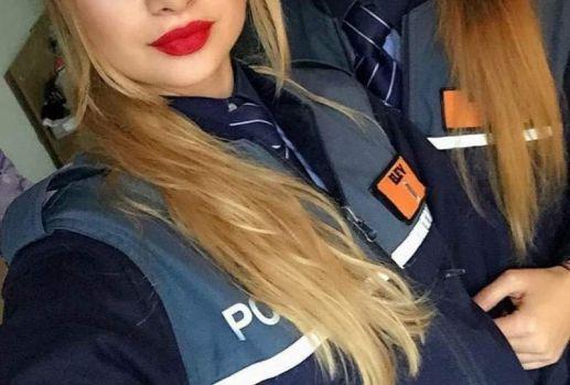 """București. Tânăra polițistă, victima avansurilor sexuale a șefului său, a dat cărțile pe față: """"Mi-a cerut să-i arăt tatuajul dintre sâni"""""""