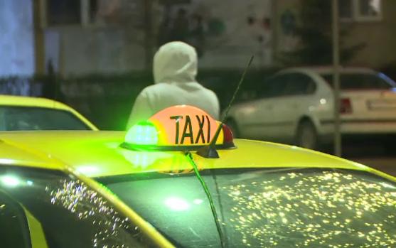 Timișoara. Un taximetrist a fost bătut de trei clienți și a ajuns la spital! Motivul care a declanșat scandalul
