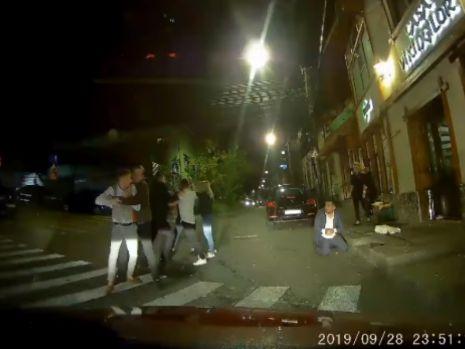 Cluj. Bătaie între studenți, în miez de noapte, în zona campusului universitar! Video