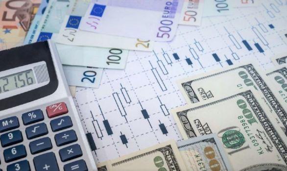 Curs valutar 3 octombrie 2019. Euro și dolarul continuă să se deprecieze