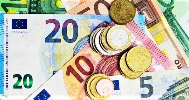 Curs valutar 8 octombrie 2019. Lira sterlină a atins cel mai scăzut nivel din ultima lună
