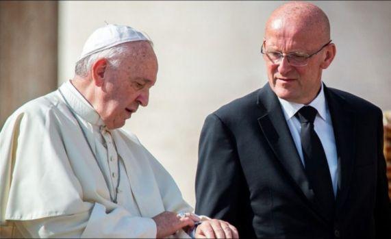 Scandal la Vatican! Bodyguard-ul personal al papei Francisc și-a dat demisia! Care este motivul