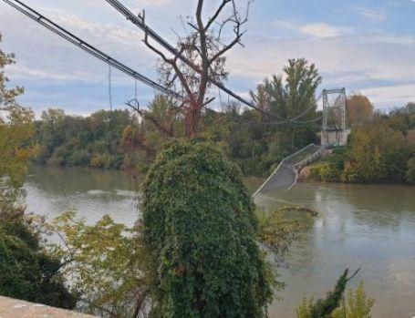 Franța. Un pod s-a prăbușit în sud-vestul țării! Un mort și mai multe persoane dispărute! Video