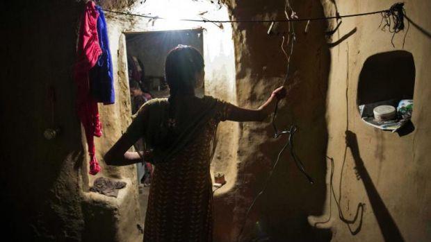 India. Doi tineri care s-au întors după trei ani să-și viziteze familia au fost omorâți cu pietre