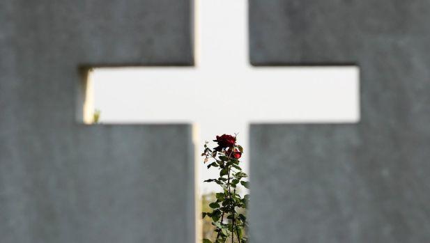 Franța. Un primar le-a interzis oamenilor să moară în zilele de sărbătoare sau în weekend!
