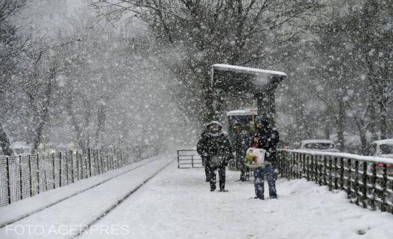 Ninsorile au pus stăpânire pe România! În mai multe județe se circulă în condiții de iarnă