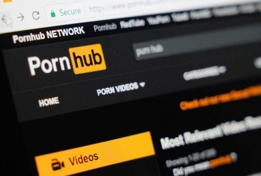 Ce caută românii pe PornHub, din ce ţară este cel mai accesat şi ce vedete sunt populare